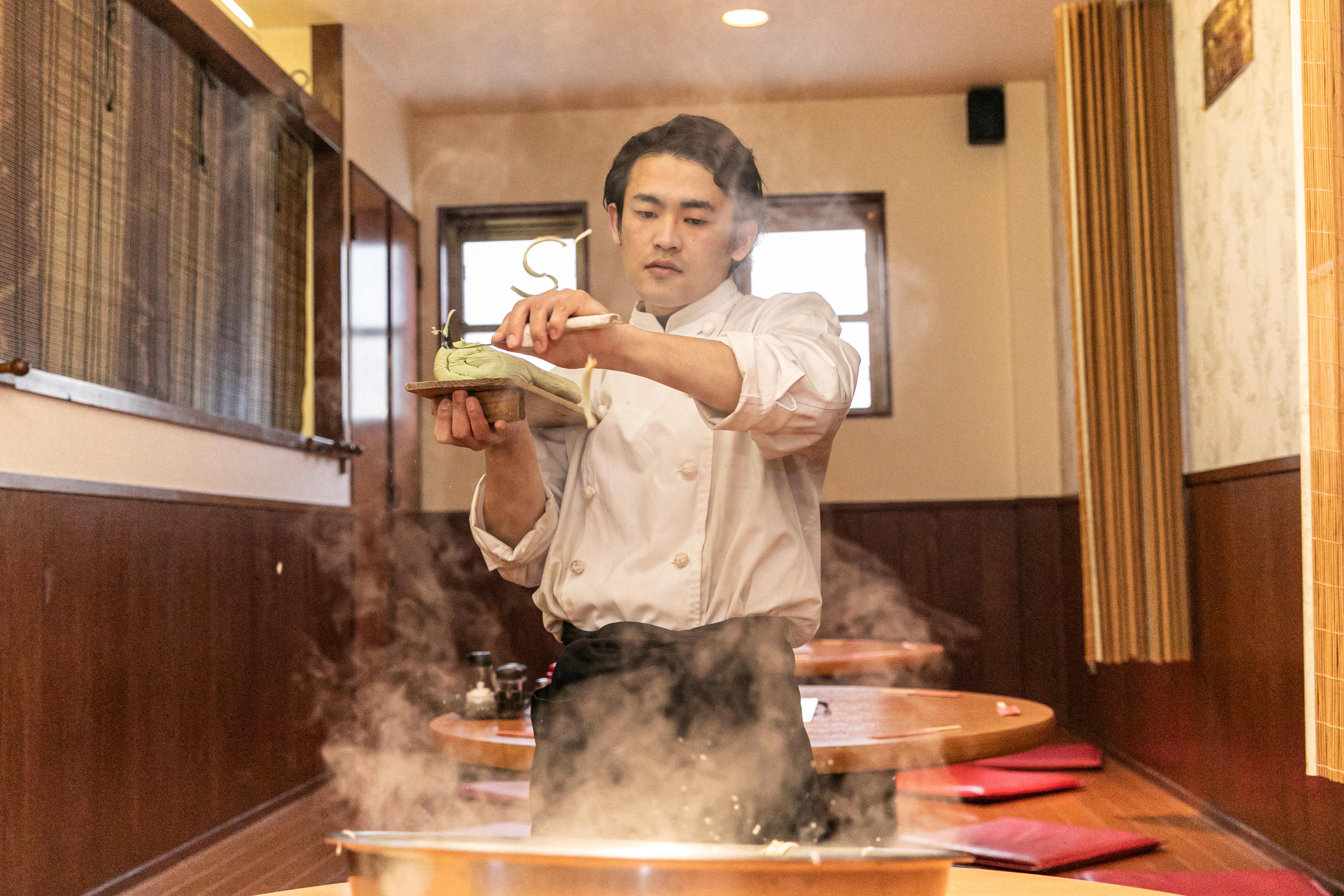 刀削麺の技術を得たい